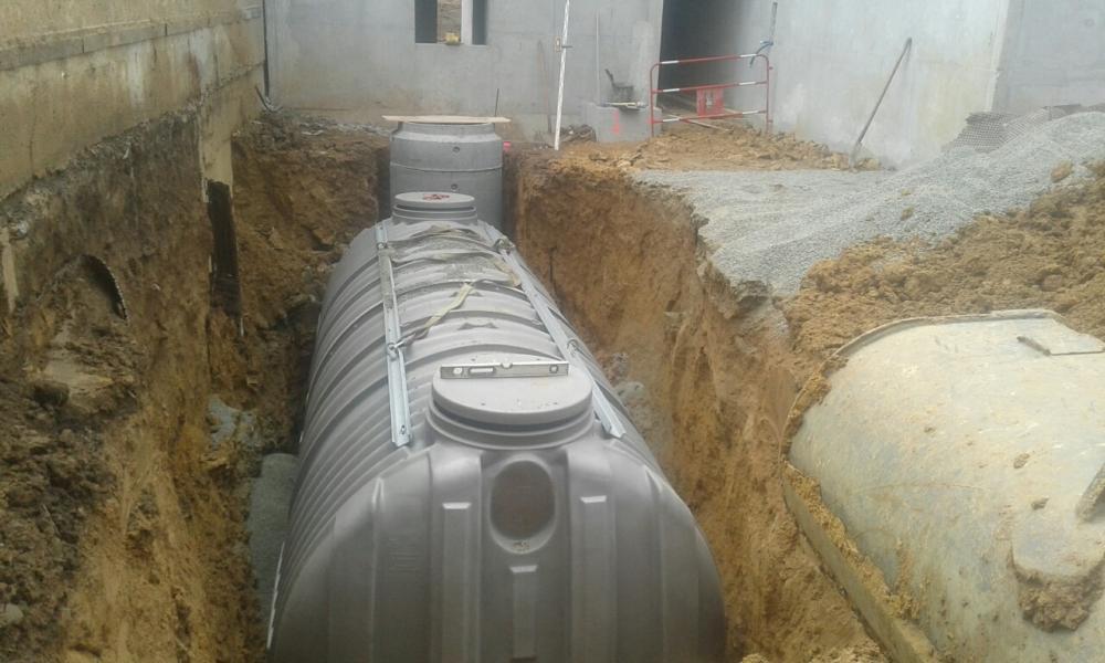 Mise en place d'une cuve à récupération d'eau de pluie
